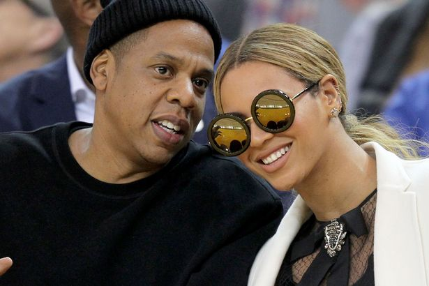 Jay-Z-Beyonce-SUNDAY-SOMEWHERE-SUNGLASSES